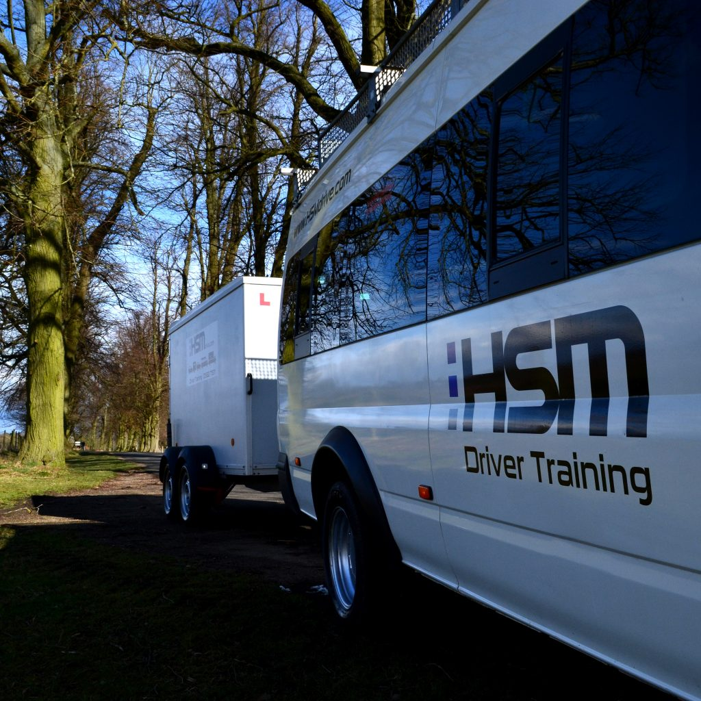 HSM Minibus and trainer traning D1+E 4